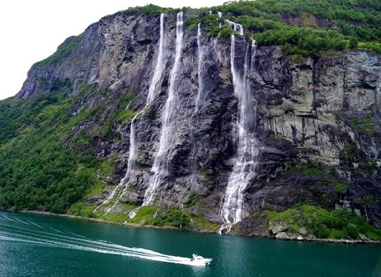 Seven-Sister-Waterfalls-of-Norway