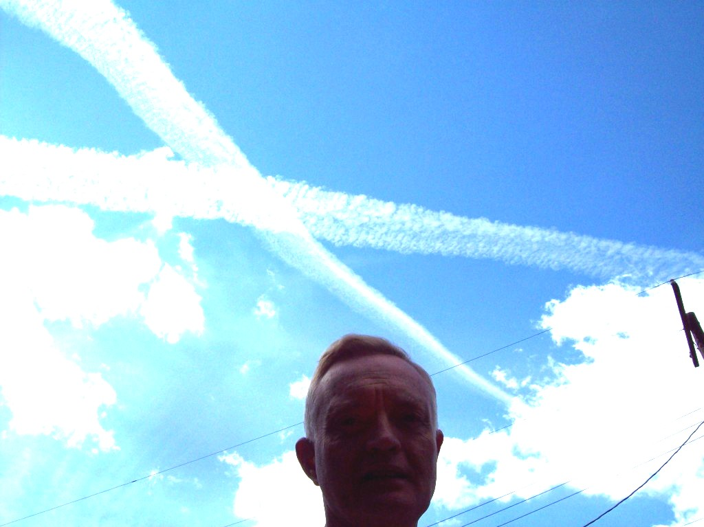 chemtrail-x-over-house-681-canal-road-apollo-pa