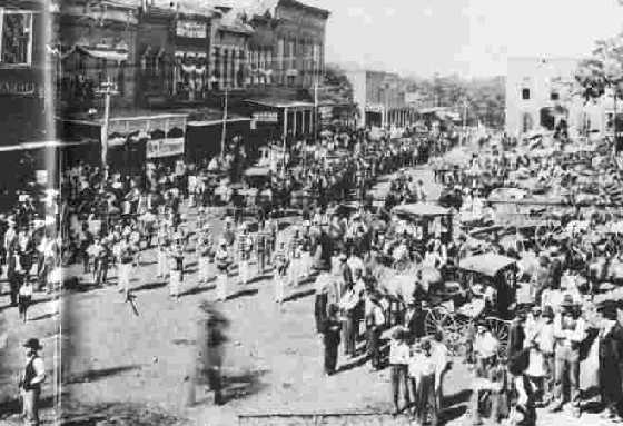 confederate memorial day-1900-procession-to-cemetery
