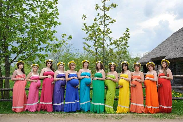 russian-women-pregnant-festive-gowns