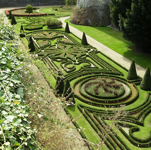 Douves_jardins_Angers-FRANCE