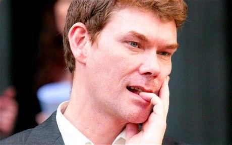 Gary_McKinnon_pensive-hand-face