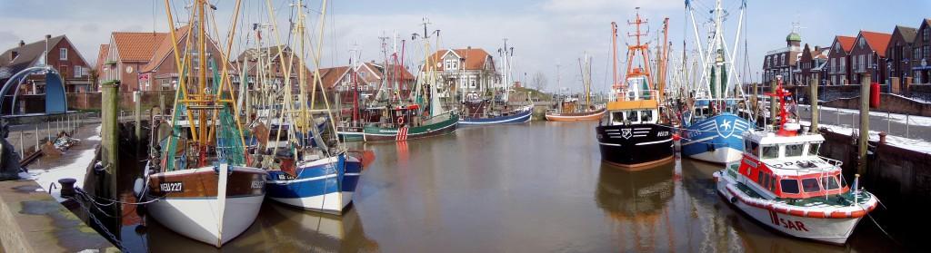 Neuharlingersiel-niedersachsen-fischereiboote-hafen