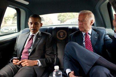 Obama-Biden-inside-limousine