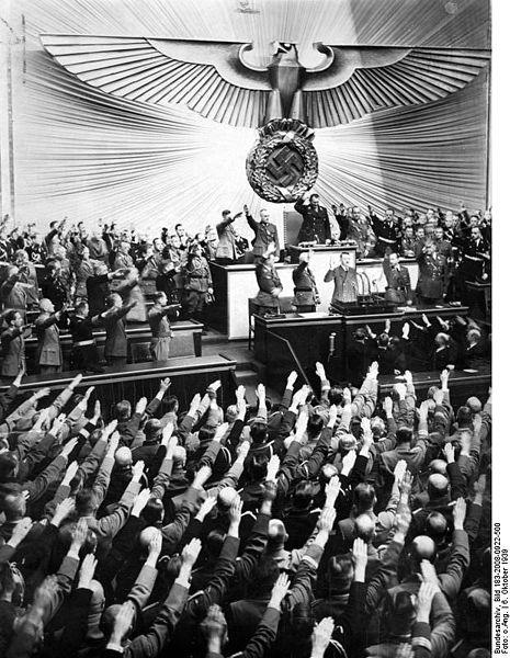 Reichstag_Krolloper-Begrung_Adolf_Hitler