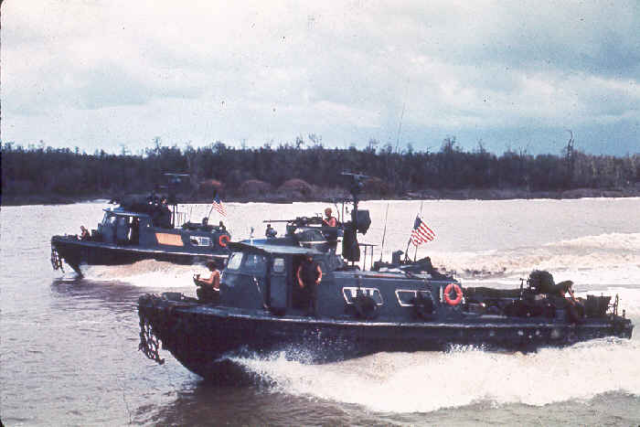 Swift-Boat-us-navy-vietnam-2