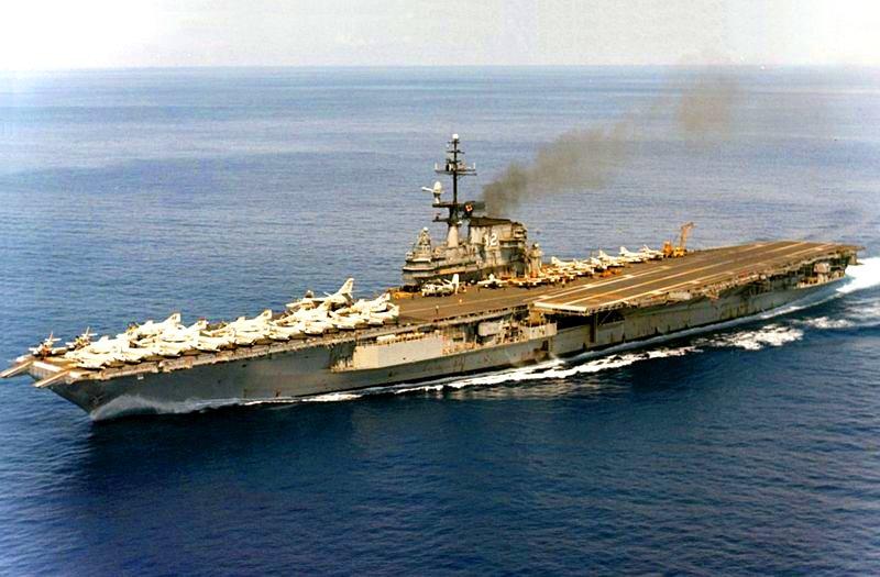 USS_Franklin_D._Roosevelt_(CVA-42)_Sep_1967