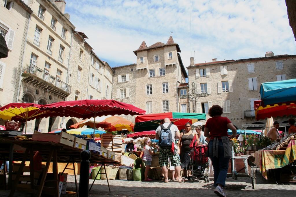 Villefranche-de-Rouergue-market