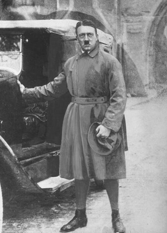 ah-leaving-landsberg-prison-Mein-Kampf
