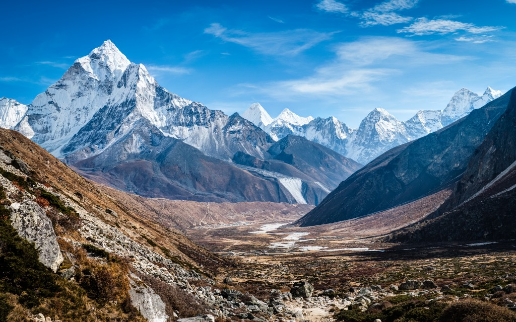 ama_dablam_himalaya_mountains-wide