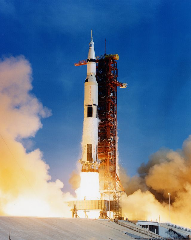 apollo-11-saturn-liftoff-1969