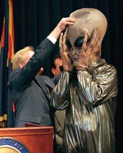 arizona-governor-symington-spoof-alien-costume-1997