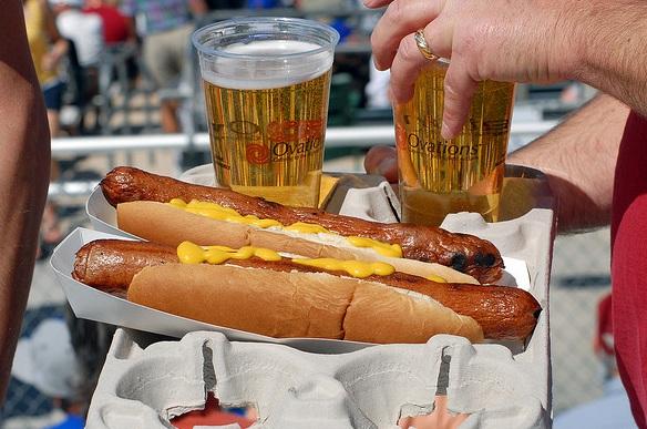 beer-hotdog-baseball