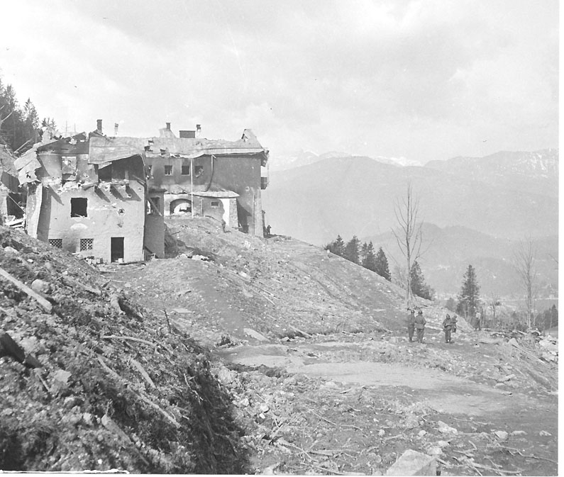 Berchtesgaden-ruins-ah-home-french-May-05-1945