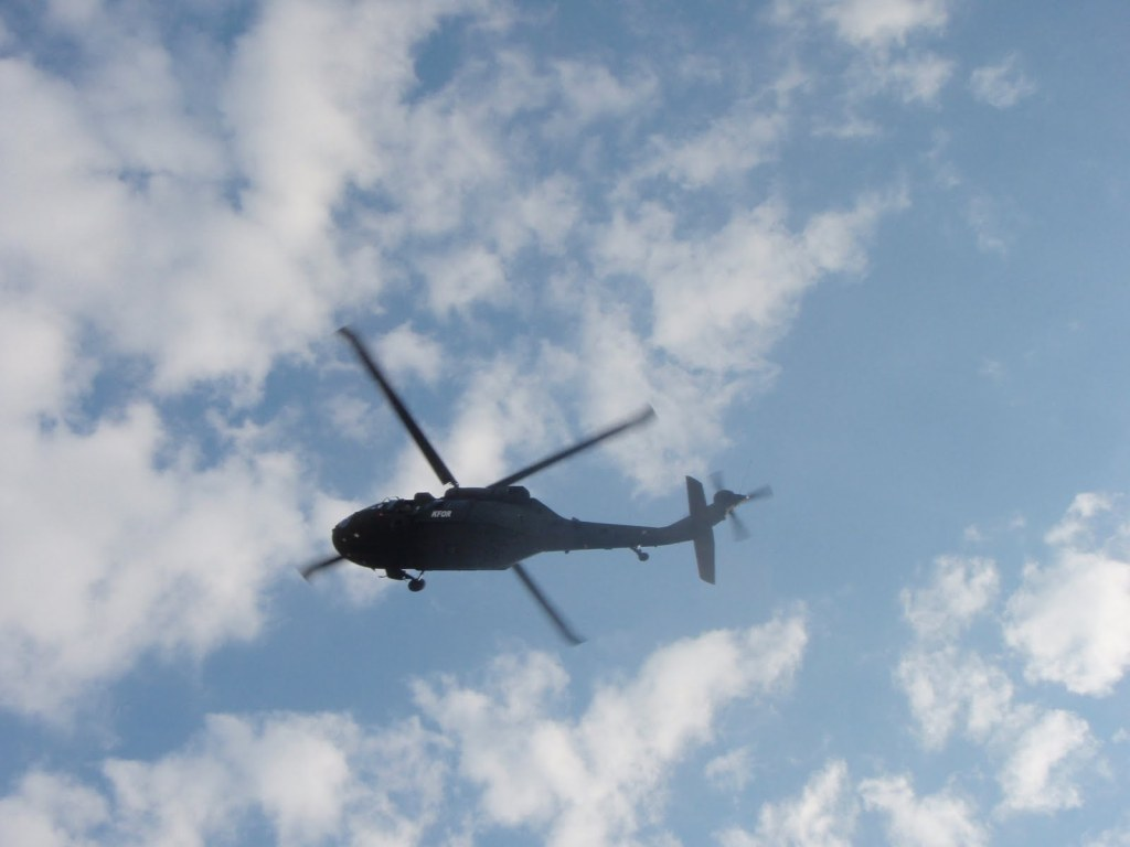 blackhawk-helicopter-over-house-apollo-pa-4-september-2014