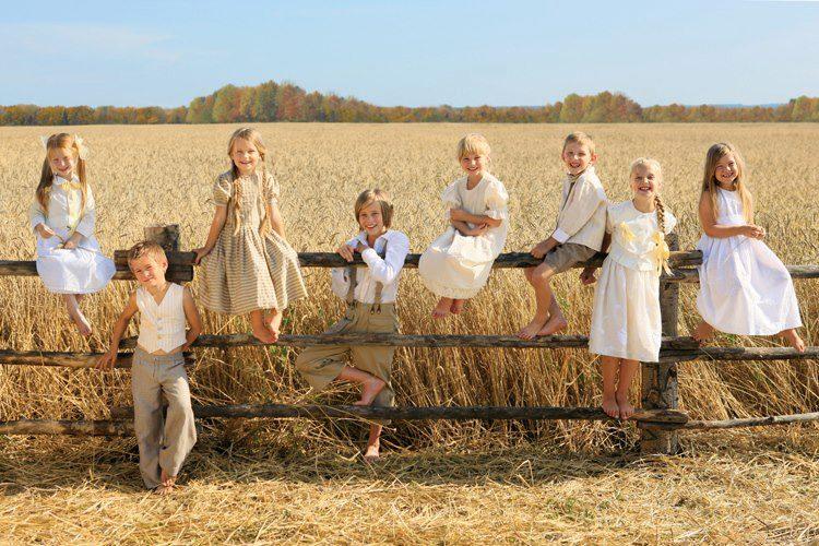 blond-kids-wheatfield