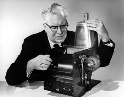 chester-carlson-with-early-photocopy-machine