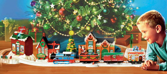 christmas.boy-model-train