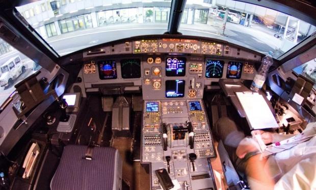 cockpit-airbus-320