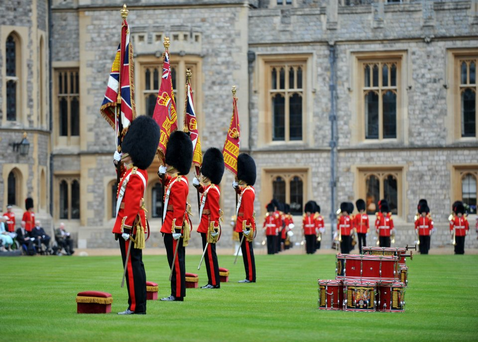 coldstream-guards-Changing_of_the_Colour-windsor-palace
