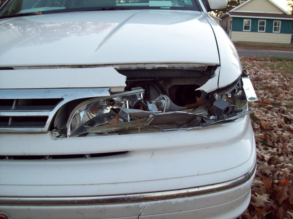 deer-damage-left-front-headlight-oct-24-2014