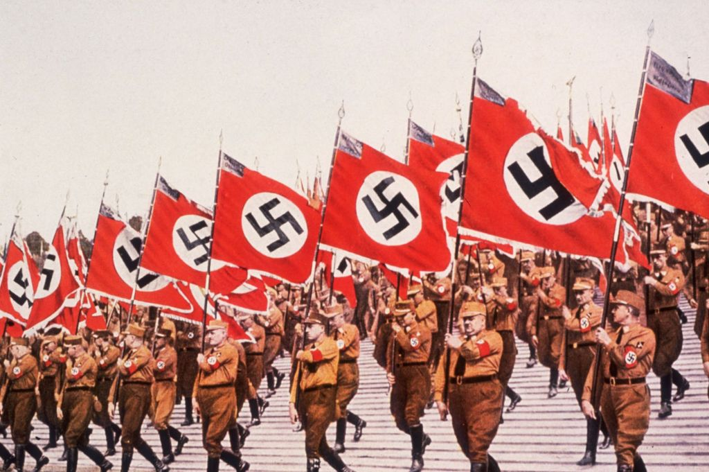entry-colors-swastika-flags-party-rally-nuremberg
