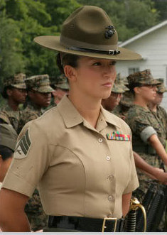 female-usmc-senior_drill_instructor