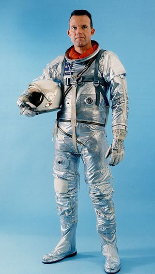 gordon-cooper-mercury-astronaut-suit