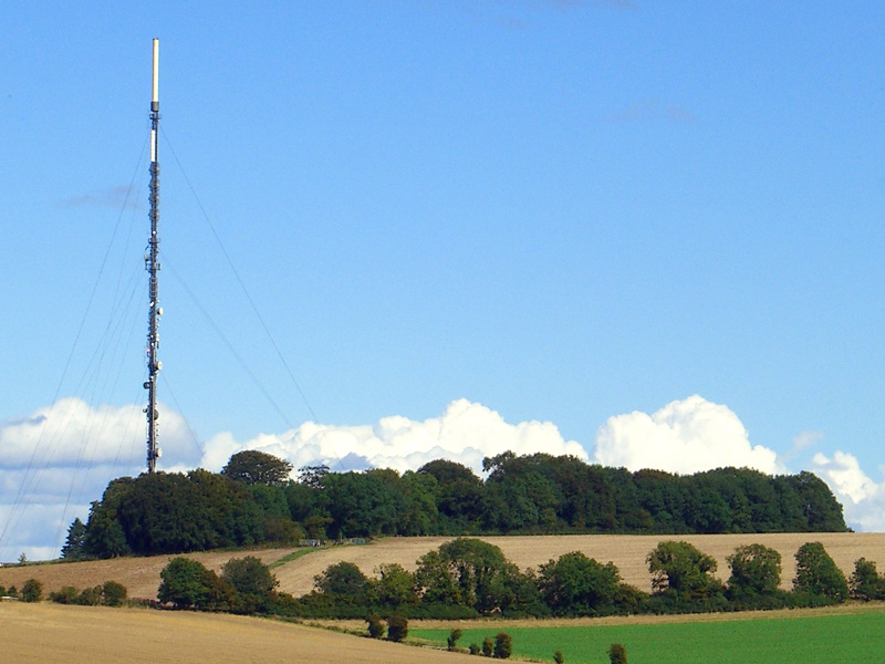 hannington-transmitter-antenna-tower-isle-of-wight-england