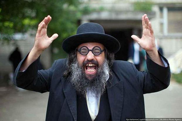 hared-jew-israel-gesticulates