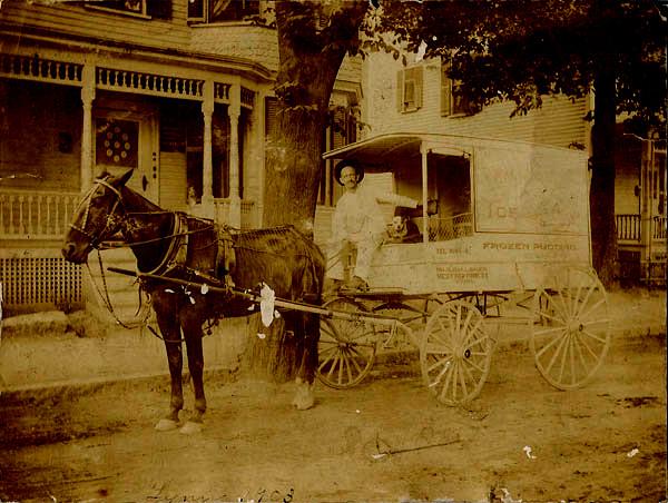 ice-cream-delivery-wagon-1903-lynn-massachusetts