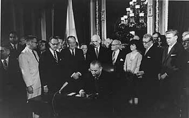 lbj-signs-1965-voting-rights-act