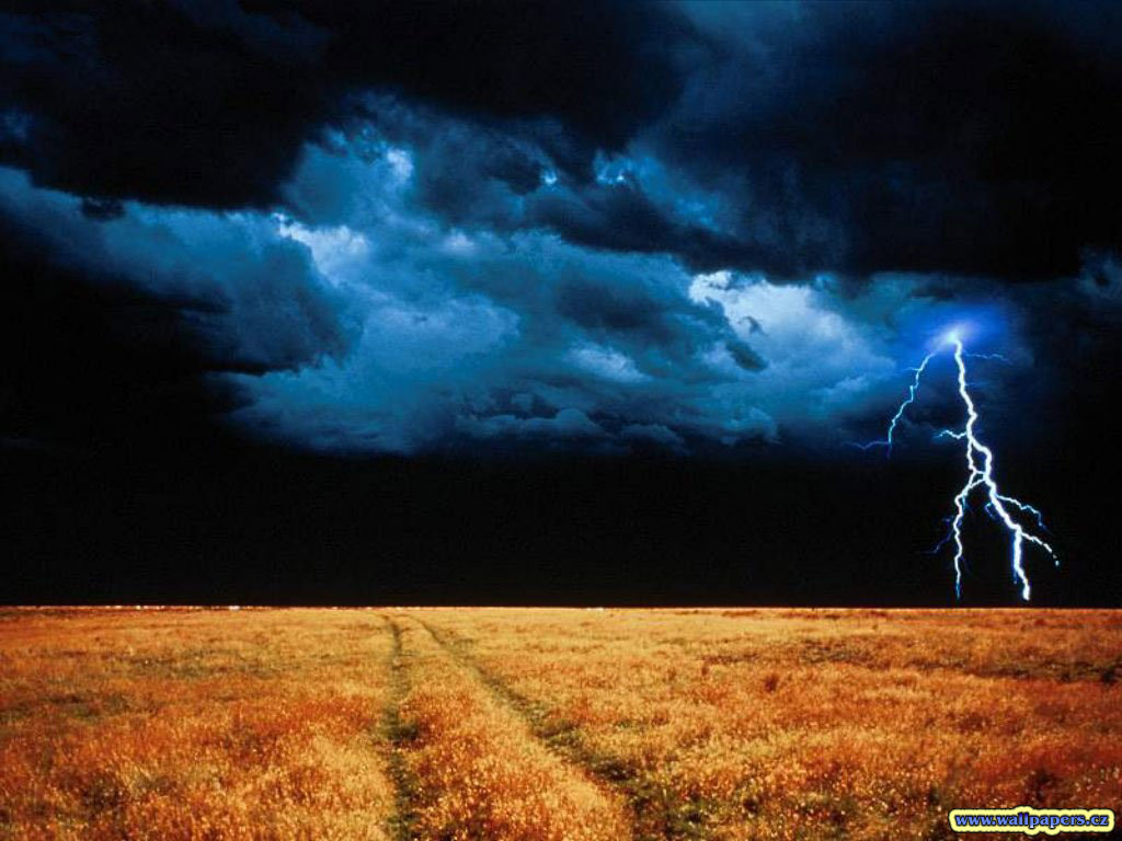 lightening-storm-clouds-thunder