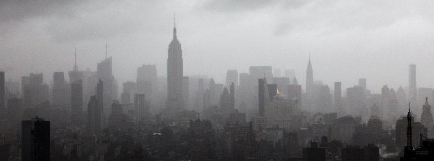 manhattan-skyline-fog