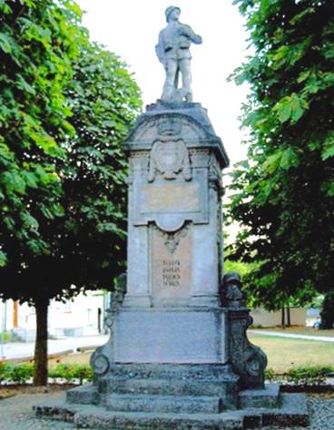 neuoetting-bavaria-germany-kriegerdenkmal