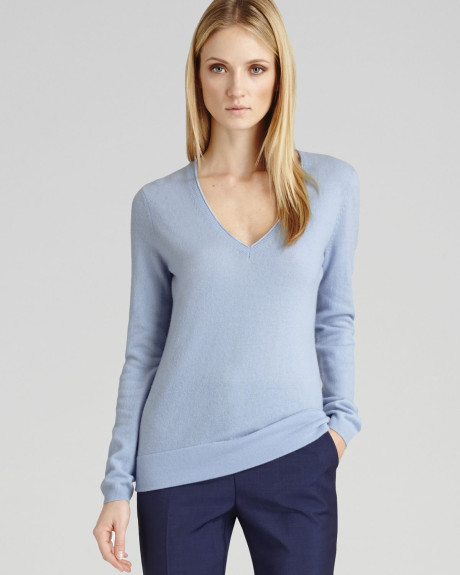 pale-blue-sweater-v-neck-exnordic-woman – John de Nugent