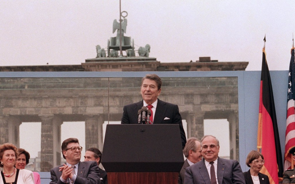 reagan-berlin-gorbachev-tear-down-this-wall