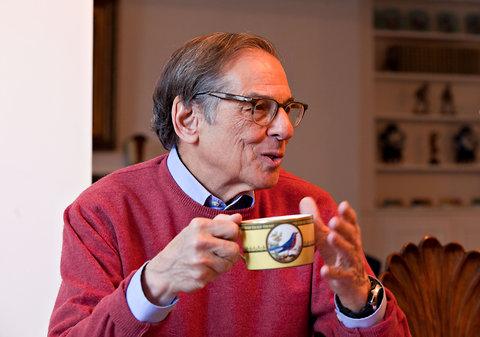 robert-caro-coffee-cup-lbj-biographer