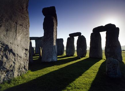 stonehenge-side-sunlight-shining-through