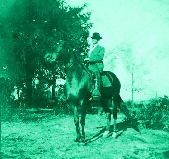 tom-e-watson-on-horse