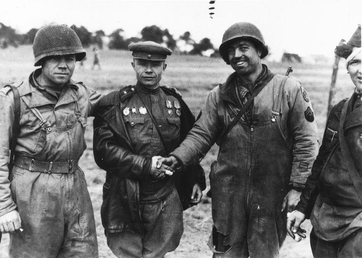us-army-gi-s-shake-hands-soviet-1945