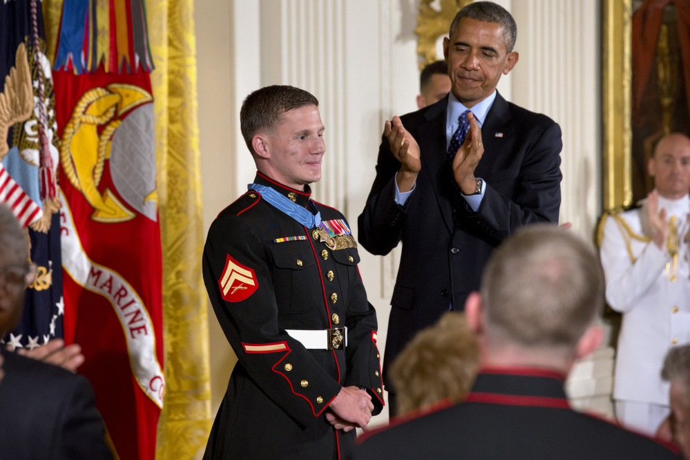 usmc-kyle-carpenter-obama-Medal-of-Honor.JPE13 (2)